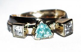 9ct Yellow Gold Ring with a Paraiba Tourmaline & Diamonds