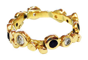 Colette Hazelwood Contemporary Jewellery. gold, sapphires and diamonds bobble ring