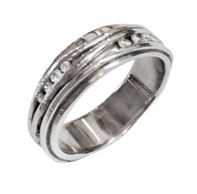 Platinum & Diamonds Wavy Wedding Ring