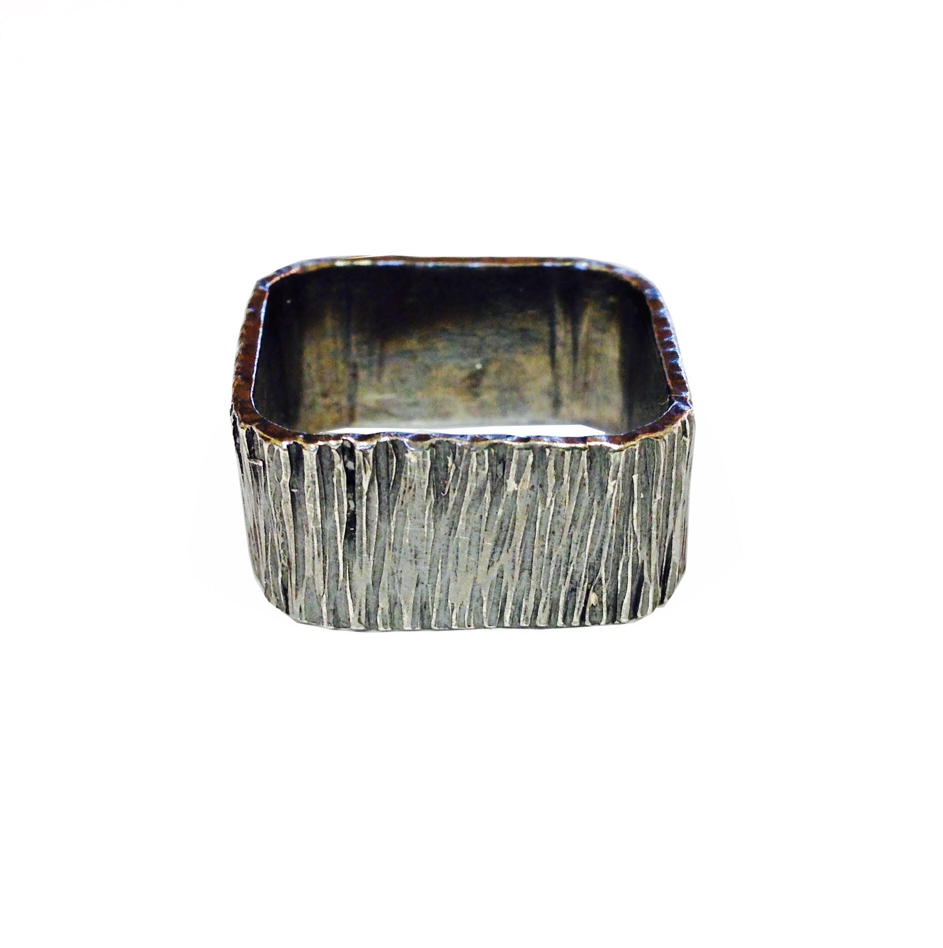 square bark hammered ring