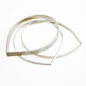 triple teardrop bangle