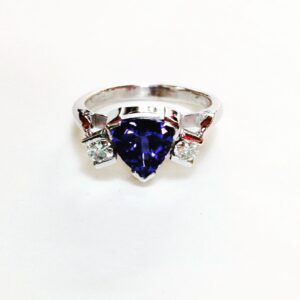 Trillion tanzanite and Diamonds Ring 18ct White Gold