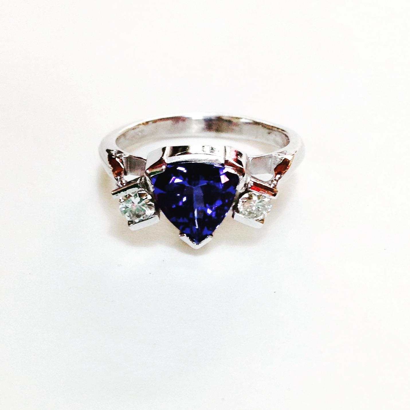 Colette Hazelwood Contemporary Jewellery Trillion tanzanite and Diamonds Ring 18ct White Gold