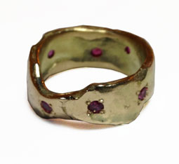 Colette Hazelwood Contemporary Jewellery Ruby-&-Gold-Recycled-Ring
