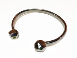 Colette Hazelwood Contemporary Jewellery silver bangle