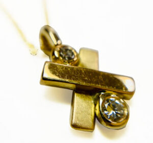 Colette Hazelwood Contemporary Jewellery. gold and diamond remake Necklace