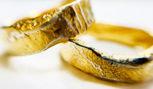 Colette Hazelwood Contemporary Jewellery. Gold plated reticulated wedding rings