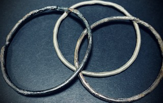 reticulated 3mm silver bangle