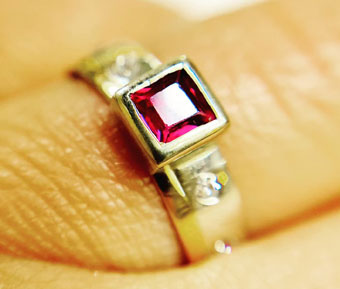 Gold and ruby and diamonds ring remake Colette azelwood Contemprary Jewellery