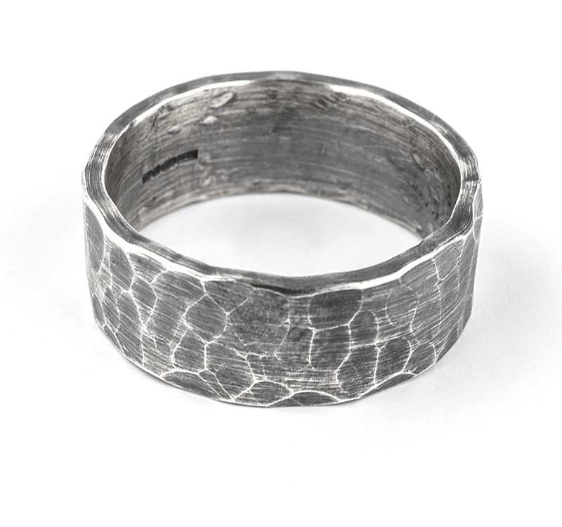 10mm oxidised hammered ring