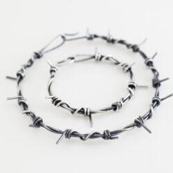 medium barb wire necklace