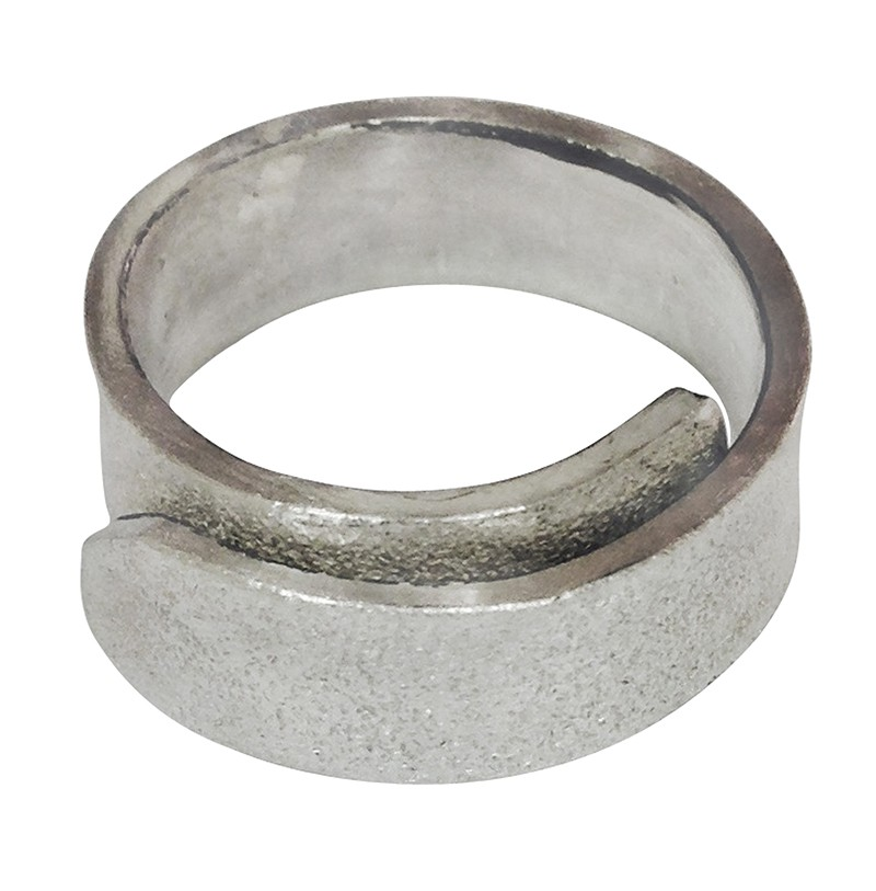 textured crossover ring