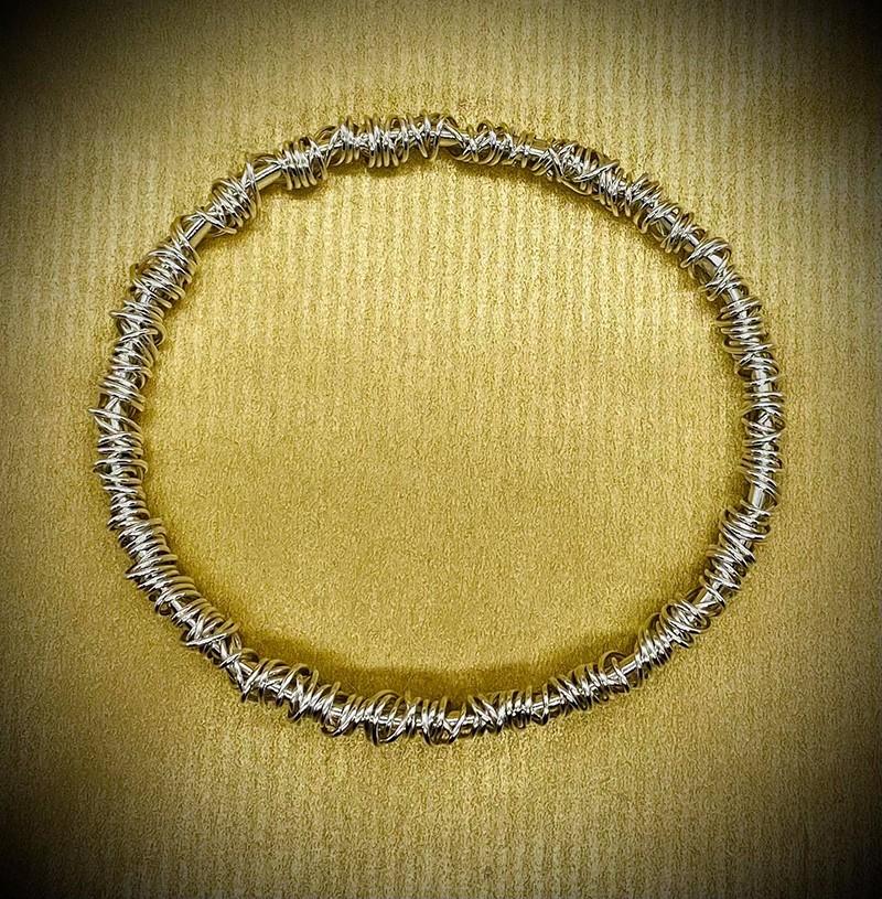 fine wraparound bangle polished