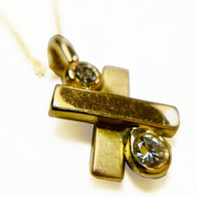 HAND MADE BESPOKE NECKLACE gold and diamonds necklace pendant